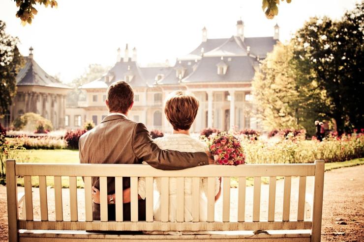 couple-260899_1280